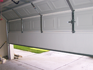Garage door repair in Simi Valley