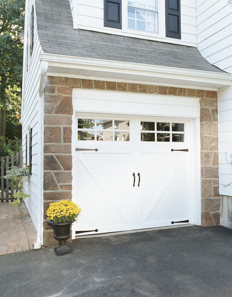 Carriage style garage doors carroll garage doors for Garage doors styles