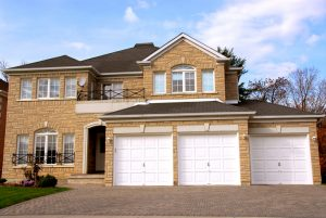 What You need to Know about Purchasing a New Garage Door