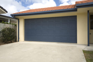 How to Choose the Right Color Garage Door for Your Home