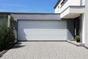 5 Garage Storage Solutions to Keep Things Tidy