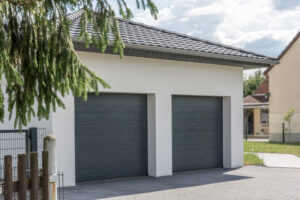 Know the Difference Between Insulated and Non-Insulated Garage Doors